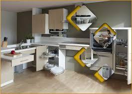 cuisine pmr comment aménager sa cuisine pour la rendre plus accessible aux