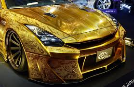 nissan gold 1 million gold plated car unveiled in dubai cars u0026 boats gcc