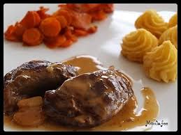 cuisiner joue de porc recette de joue de porc crème d ail et pommes fondantes la