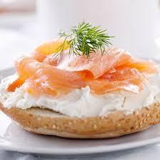 canap au saumon fum recette toasts crackers au saumon fumé