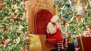 How Long Does Disney Keep Christmas Decorations Up - the santa photo experience the mall at millenia