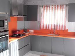 cuisine gris et cuisine orange cuisine mur orange et fa ades bouleau planledu37