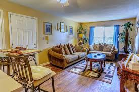 hampton place apartments exterior residences amenities neighborhood