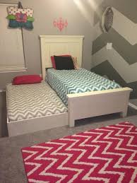 How To Build A Platform Bed Frame With Drawers by Best 25 Trundle Beds Ideas On Pinterest Girls Trundle Bed