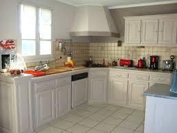 repeindre cuisine rustique relooker une cuisine rustique cuisine collection cuisine awesome