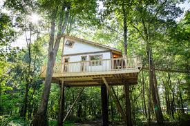 treehouses the mohicans rustic barn wedding venue tree house