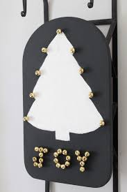 diy christmas tree sled thrifty style team 2 bees in a pod