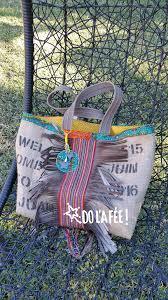 sac en toile personnalisable cabas en toile de jute et wax franges en suédine création unique