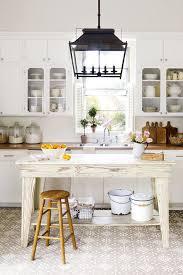 farmhouse kitchen cabinet decorating ideas 25 best farmhouse decor diy farmhouse decorating ideas
