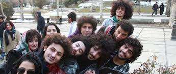 iranian women s hair styles young iranians defy the recent government ban on un islamic haircuts