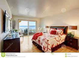 chambre à coucher romantique intérieur romantique de chambre à coucher principale avec la plate