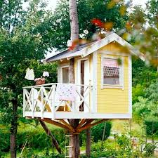 Kids Backyard Fun Yellow Tree House For Kids Backyard Family Fun Cabane Dans Les