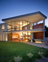 a home in california for a bachelor who gets frequent visits from
