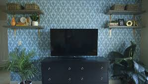 how to hang temporary wallpaper
