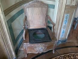 file vaux le vicomte bathroom chair jpg wikimedia commons
