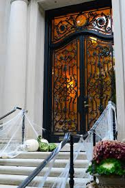 Spotlight Halloween Decorations by Halloween Humor At 5 Commonwealth Avenue Today In Boston