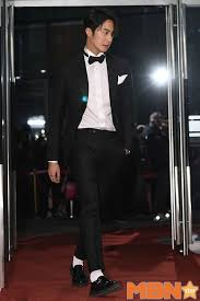 Tuxedo Socks 7 Current Fashion Trends From The Korean Red Carpet