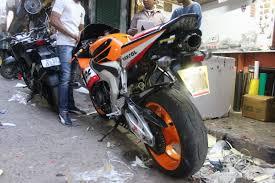 honda cbr 600 2014 meeting honda cbr600rr in motogp u0027s repsol livery in delhi 1