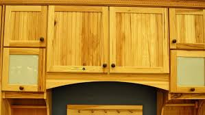 what types of kitchen cabinets are available at lowe u0027s