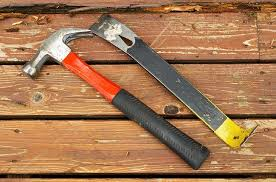 Hardwood Flooring Tools How To Easily Remove Hardwood Floor In Just 30 Minutes Man Of Family