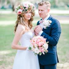 wedding flowers in hair 50 stunning ways to wear flowers in your hair bridalguide