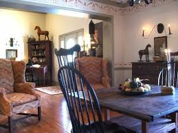 colonial style homes interior eye for design decorating in the primitive colonial style