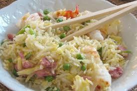 cuisiner riz recette de riz frit à la chinoise cantonais la recette facile