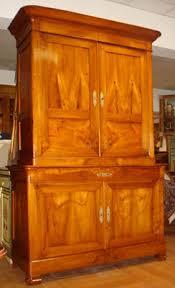 credenze antiche prezzi stile mobili antichi riconoscere comprare e vendere