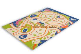 tapis chambre pas cher tapis pour enfant motif play moderne route bleu vert crème pas cher