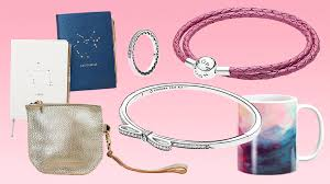 best day gifts the best s day gifts for friends stylecaster