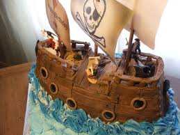 pirate ship cake pirate ship cake w jolly roger hollysbakery cakecentral