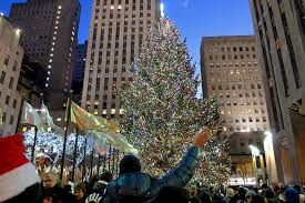 when does the tree go up in rockefeller center