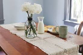 how to use table runners hunker