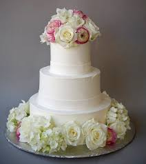 Wedding Cake Flower A Simple Cake Fresh Flowers For Wedding Cakes