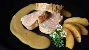 cuisiner un filet mignon de porc filet mignon à la normande recette du filet mignon aux pommes et