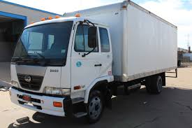 nissan box 2010 nissan ud 2000 20ft commercial box truck stk aah80046
