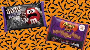 halloween reese s cookies and cream m u0026m u0027s reese u0027s bats and pumpkin pie kit kats