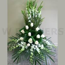 wedding flowers ottawa wedding ceremony flower arrangement w flowers ottawa