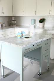 Small Kitchen Islands On Wheels by Best 25 Rolling Kitchen Island Ideas On Pinterest Rolling