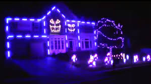 halloween neighborhood background ultimate halloween light show house u0027lip syncs u0027 to macklemore u0027s