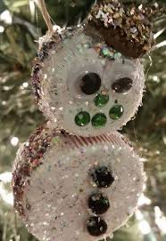 create children s ornaments from milk and soda lids