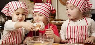 enfant cuisine sécurité en cuisine avec les enfants