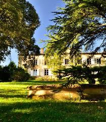 chambre d hote beaujolais château de buffavent maison et chambres d hôtes domaine viticole