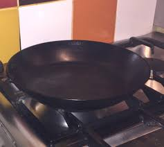 quelles sont les meilleures poeles pour cuisiner poêle en fer nocive pour ma santé ou idéale pour une cuisine saine
