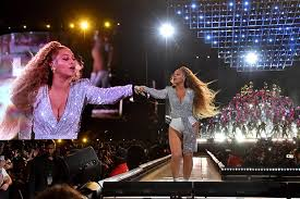 beyonce coachella beyonce coachella 2018 singer falls on stage and drags sister