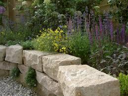 Steine Fur Gartenmauer Trockenmauer Und Terrasse Arbeiten Mit Naturstein