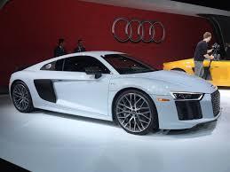 Audi R8 Manual - video audi r8 v10 vs audi r8 v10 plus is the plus worth it
