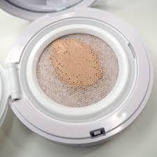 the makeup box shu uemura blanc chroma brightening uv cushion