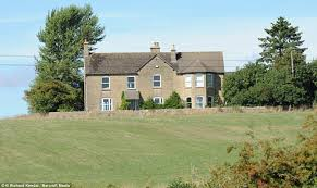 Cotswold Cottage House Plans by Jeremy Clarkson Blows Up Cotswold Farmhouse To Make Way For New