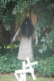 12 last minute super scary diy outdoor halloween decorations best